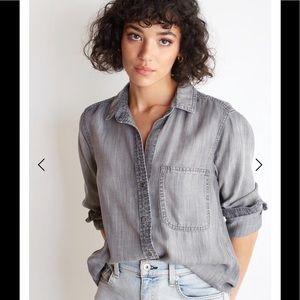 Size XS Bella Dahl gray frayed hem button down